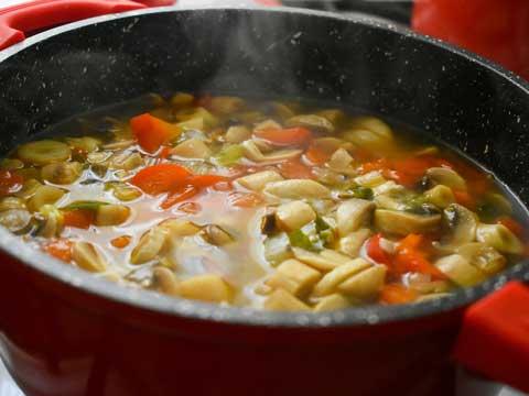 Hoe komt het dat soep zuur wordt?