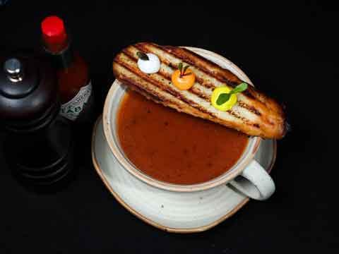 Kun je Gazpacho warm eten?